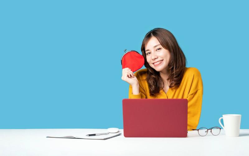 ブログの収益化に成功した女性